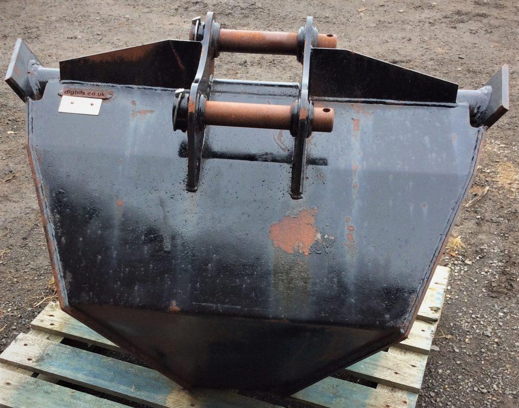 V Ditching Bucket
